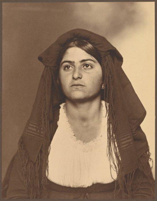 nypl.donna italiana migrante.jpg