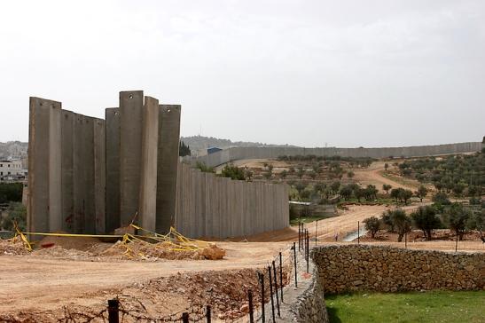 Arduino Garbin Barriera israeliana cop ur.jpg