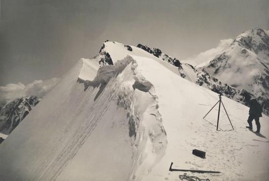 Vittorio-Sella-sul-versante-nord-del-Shkhara-nel-Caucaso.jpeg