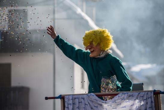 Carnevale Ladino priante (1).jpg