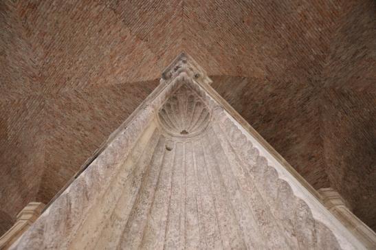 Ampelio Basilica IMG_3632.JPG